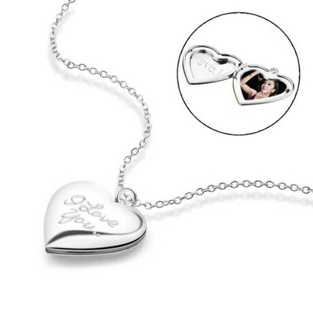 Woman necklace with heart medallion for photo I love you silver color